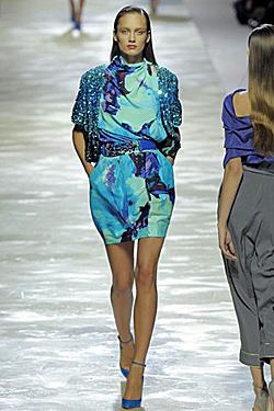 Fashion imposes blue summer