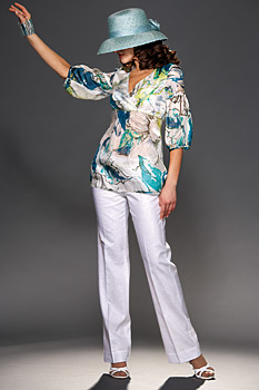 The fashion collection Spring/Summer 2009 of Danini combines the dynamics of every day life with romance