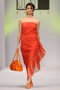 Orange is the hottest fashion trend for Spring-Summer 2009