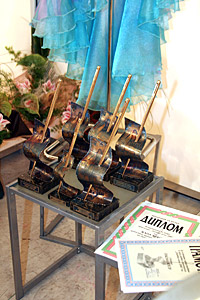 The award figurines a minute before becoming a possession of the best ones in Bulgarian fashion branch for 2006th