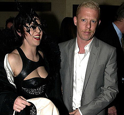 Alexander McQueen's death mourned by the fashion world