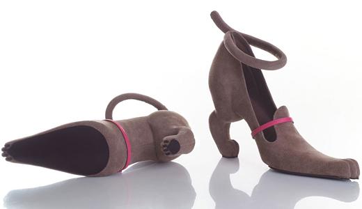 Israeli designer made shoes, imitating the female body