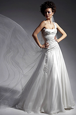collection of wedding dresses 2010 of atelier simon. Black Bedroom Furniture Sets. Home Design Ideas