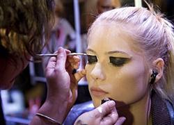 Men prefer natural beauty over make-up
