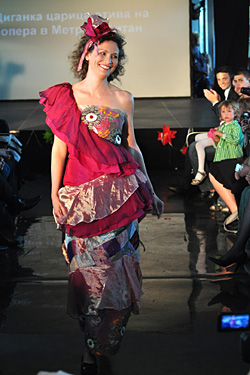 Roma fashion представи The World is Colorful