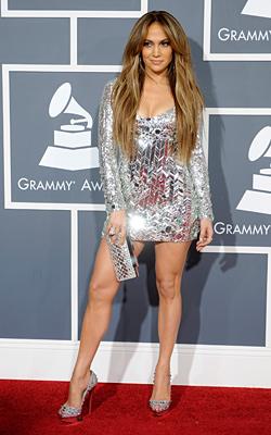 Блясък и екцентричност по червения килим – наградите Grammy 2011
