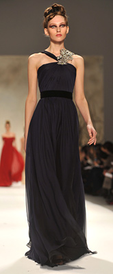 Monique Lhuillier presented chic dresses at New York Fashion Week Fall 2011