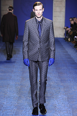 VERSACE For Men AUTUMN/WINTER 2011-12: three-dimensional