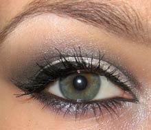 Кукленски очи