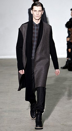 Fashion trends Autumn-Winter 2011/2012: Contrast sleeves