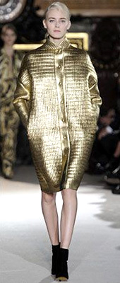 Fashion trends Autumn-Winter 2011/2012: Dress in gold
