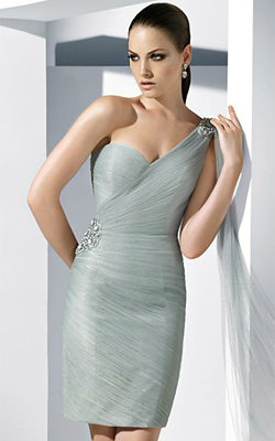 Fashion trends for prom dresses 2012