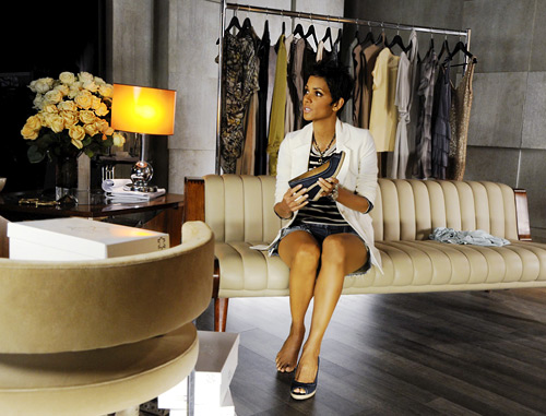 halle berry designed her first shoe collection. Black Bedroom Furniture Sets. Home Design Ideas