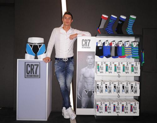 Cristiano Ronaldo presents CR7