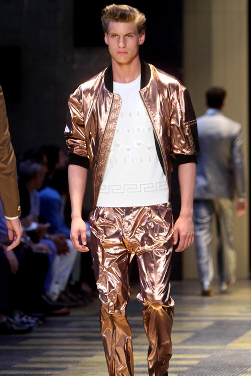 Versace Collection, Men at loadingtag.ga, offering the modern energy, style and personalized service of Saks Fifth Avenue stores, in an enhanced, easy-to-navigate shopping experience.