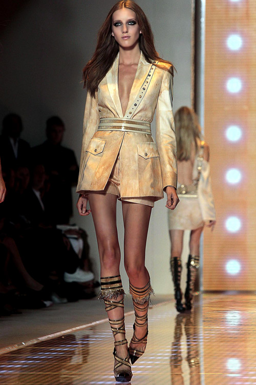 Ladies' fashion: Versace Spring-Summer 2013 collection